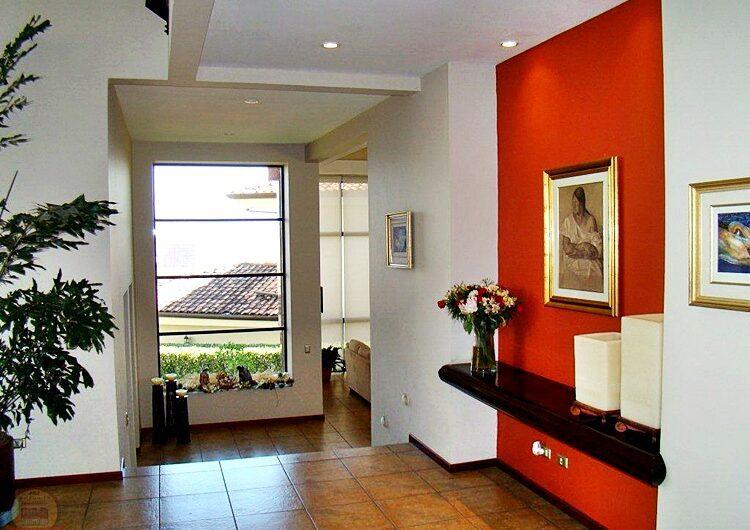 Casa Lujosa 4habs+Oficina+TV en Condo de Lujo Cerro Real