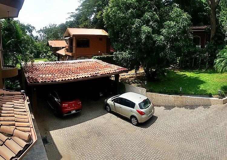Casa Lujosa 4habs con Piscina en Lindora