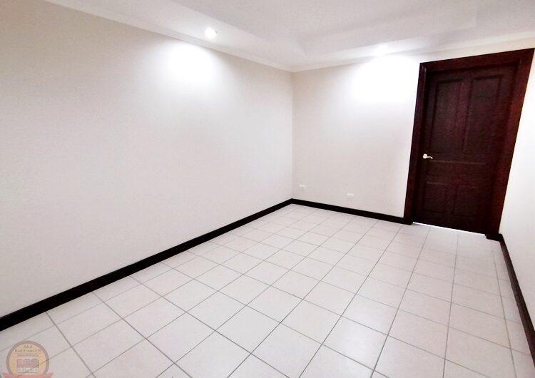 Casa Moderna de lujo 4h+oficina en Guayabos
