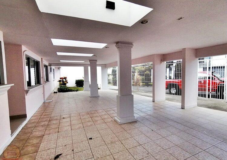 Casa de 1nivel con 5habs en residencial, Guayabos