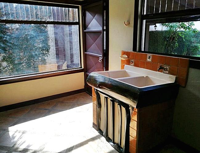 Casa 1 nivel 3habs estilo rústico en residencial, Tres Ríos