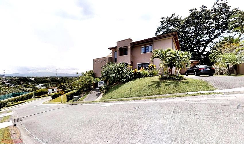 Villa Lujosa 4habs+Piscina con vista en condo, Ciudad Colón