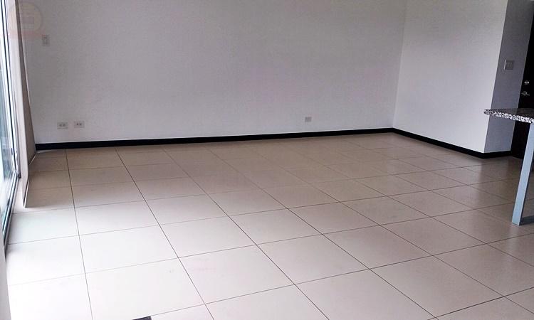 Apart 2habs en piso 14 en Condo Paradisus Rohrmoser