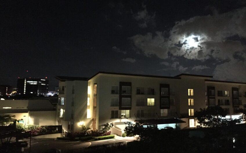 Apartamento Lujoso 1hab en Condo Distrito 4, Guachipelín