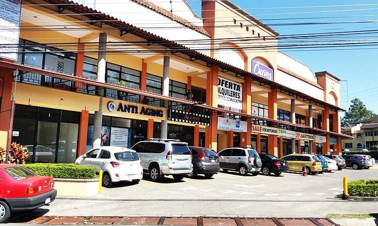 Local comercial 110m nivel 1 en Escazú