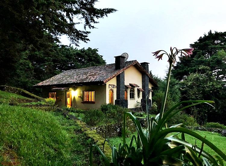 Quinta con 7,000m y 3 casas en Monte la Cruz Heredia